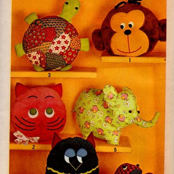 Retro Vintage Toys Simplicity 70s Sewing Pattern Pillow Pets Stuffed Animal Cat Turtle Monkey Owl Elephant Frog Rag Doll Pajama Bag Uncut