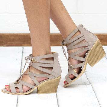 Dalton Lace Up Strappy Sandals {Taupe}