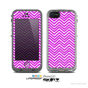 The Hot Pink Thin Sharp Chevron Skin for the Apple iPhone 5c LifeProof Case