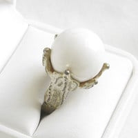 HUGE Vintage White Plastic Ball Bead Shabby Chic Ring Size 8 Adjustable