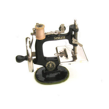 Vintage Small Singer Sewing Machine