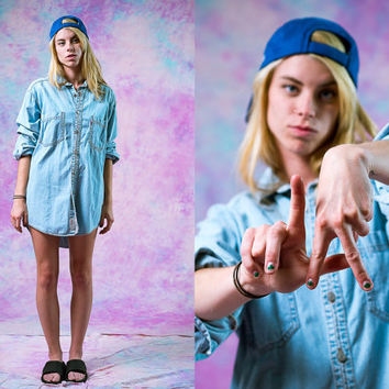 vtg 90s levis boyfriend denim button down, blue oversized shirt, 1990s long sleeve shirt, urban vintage, tumblr soft grunge, hipster fashion