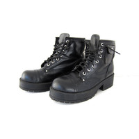 Vintage black chunky combat boots. platform boots with pockets. womens 9.5
