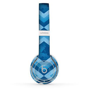 The Blue Diamond Pattern Skin Set for the Beats by Dre Solo 2 Wireless Headphones