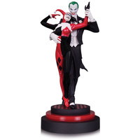 The Joker and Harley Quinn Batman: Harley Quinn 12-Inch Statue