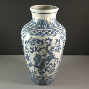 Blue and White Chinese Porcelain Dragon Vase / 12 inches tall