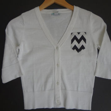 New Girls LG 10/12 White Cardigan With Black & White Chevron Pocket Super Cute