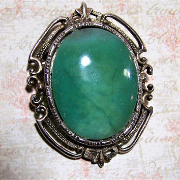 Green Jade or Agate Stone Oval Pin, Antiqued Gold Tone Setting Brooch, Antique Revival, Classic Vintage Jewelry, Costume Jewellery 417