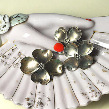 Vintage STUART NYE Set, Sterling Silver, Dogwood Brooch and Screw Back Earrings, Handwrought, Demi Parure, Just Lovely!!  #K001