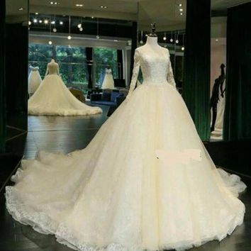 Custom made middle east wedding dress Long Sleeve luxury ball gown lace wedding dress
