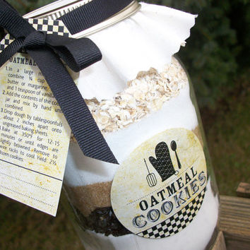 Vintage Cookie Jar Decorations. Recipe card with ribbon, cloth toppers, labels, and gift tags. 4 recipes available
