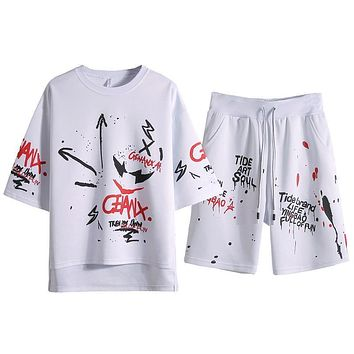 2 Piece Set Short-Sleeved Men's Summer Sport wear Sets Outwear Sweatshirts Men Beach Vacation Graffiti print Suit Top