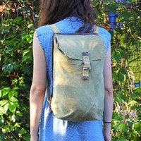 Soviet Rustic Rucksack / USSR Vintage Khaki Canvas Army, Hiking, Travel Backpack / Green Camping, Military Unisex Bag, School, Laptop Bag
