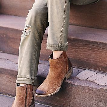 Coconuts by Matisse Womens Everyday Distressed Boot