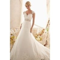 Graceful Sweetheart Neckline Taffeta and Lace Halter Wedding Dress