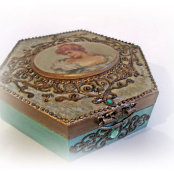 Vintage Keepsake Box. Wooden Hexagonal Box. Jewelry Box. Decoupage Box. Memory Box. Vintage Storage Box.Antique Box. Trinket Box. Gift
