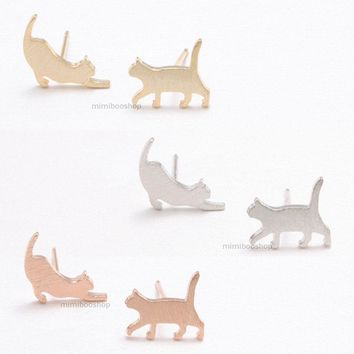 Little Kitty Cat Lover Animal Jewelry Mismatched Stud Earrings Silver Post Back