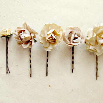 Champagne Flower Hair Pins Set of 6. Paper Flowers in Biscotti, Sand, Honey, Cream and Truffle.  Rustic Garden Wedding Rose Hair Pins.