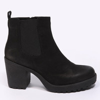 Vagabond Black Nubuck Grace Chelsea Boots at Urban Outfitters