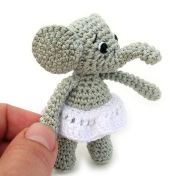 Amigurumi elephant in a skirt, miniature crochet elephant, elephant plush, elephant toy, stuffed animal, tiny elephant doll, crochet doll