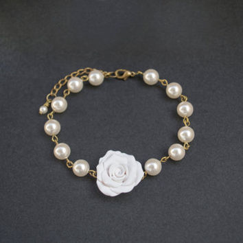 Polymer Clay White Rose Bracelet. White Crystal Pearls Bracelet. Beaded Jewelry. Wedding Jewelry. Bridesmaid Gift. Antique Brass