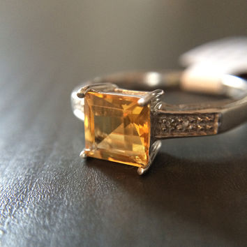 Simple Set Square Citrine Ring - Size 7