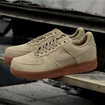 Nike Air Force 1 '07 LV8 SUEDE 35 Anni Yellow Raw AA1117-200
