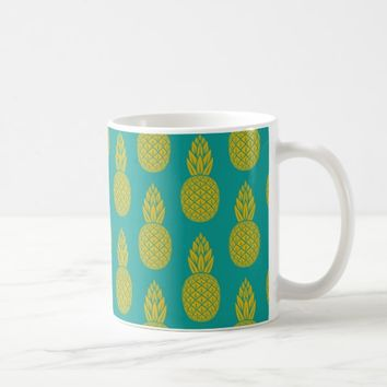 Tropical Hawaiian Pineapple Pattern Coffee Mug