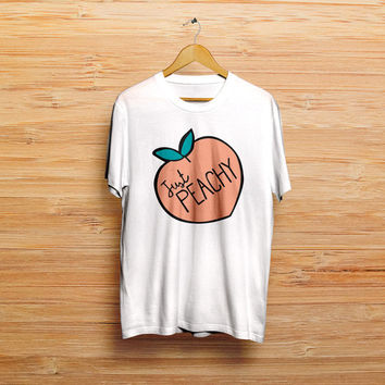 Just Peachy Men's Gildan T-shirt