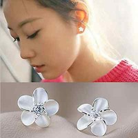 Chic Fashion Women's Lady  925 Sterling Silver Flower Type Ear Stud Earring Sale