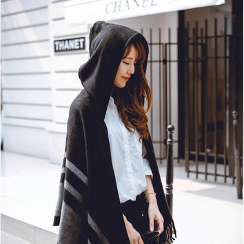 [AETRENDS] Women's Wool Hooded Poncho with Hat Winter Scarves Black Beige Colors Z-2116