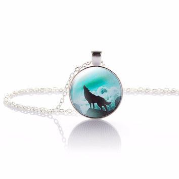 2017 Hot Fashion Wolf Moon Pendant Necklace Glass Cabochon Silver Statement Chain Necklace Women Jewelry Glass Cabochon Necklace