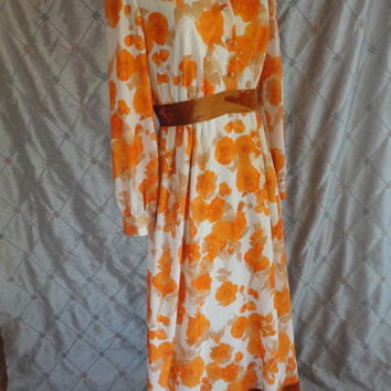 ON SALE 70s Dress // Vintage 1970's Orange and White Floral Maxi with Pumpkin Velvet Trim and Bow in Back Size M 28 waist