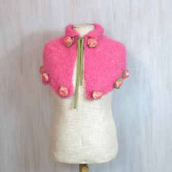 Capelet with roses For girl Over outerwear Romantic neck warmer Pink Knitted capelet Birthday gift Impressive Shabby chic Cozy scarf