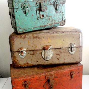 Union Metal Storage Box // Toolbox with Rust and Chipped Paint