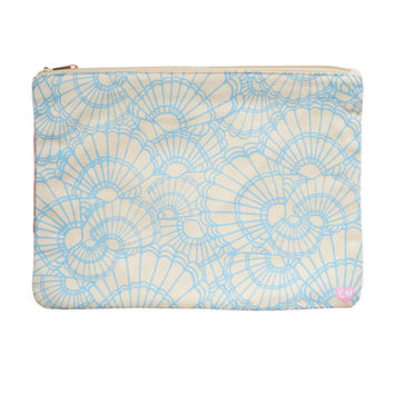 CAMERON HAWAII Large Clutch - Fanned Shells Sky Blue