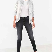 BDG Twig Mid-Rise Skinny Jean - Anthracite - Urban Outfitters