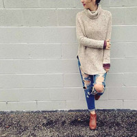 LOOSE SOLID COLOR HIGH-NECKED SWEATER