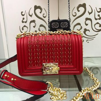 HCXX 19Aug 691 Fashion Embroidered Chain Flap Bag Leather A67086 Baguette 14.5-20-8cm