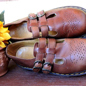 Original Dr Martens England mary janes UK 6 / US 8  / vintage doc marten brown leather mary jane shoes / GravelStreetVintage