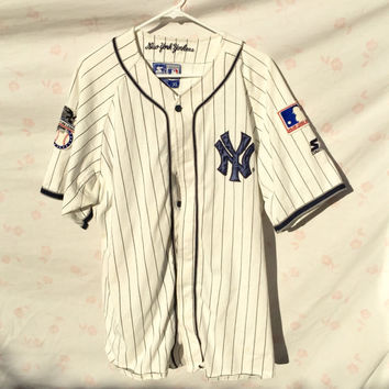 90  39 s Vintage Baseball Jersey by Starter New YORK YANKEES Size Large 99f68c076b9