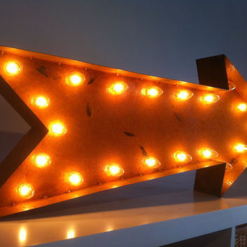 Vintage Marquee Lights Arrow 36 long by VintageMarqueeLights