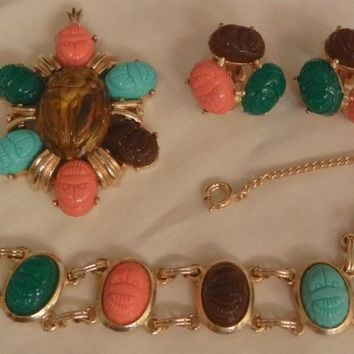 Tara Fifth Avenue Gorgeous Egyptian revival scarab set Circa 60's Bracelet Pendent Earrings Excellent condition