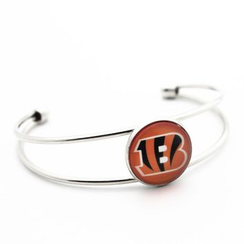 Hot Sale 1pcs Copper 18mm Glass Print Football Cincinnati Bengals Open Bracelet  For Women Men Bracelet&Bangles Fashion Jewelry