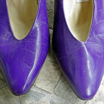 Vintage 80s Purple Kitten Heels // Leather // Size 7