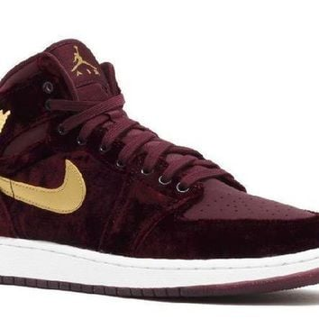 PEAPN Ready Stock Nike Air Jordan 1 Ret Hi Prem Hc Gg (gs) Velvet Night Maroon Metallic Gold Basketball Sport Shoes