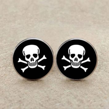 New Skull Pirate Cufflinks Round Jewelry Black White Skull Cuff