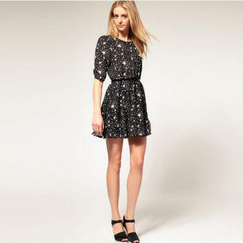 Fashion Casual Star Print Round Neck Middle Sleeve Mini Dress
