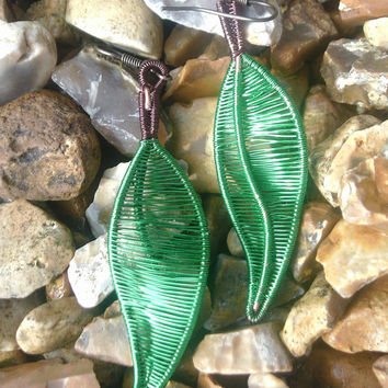 Wire Wrapped Green Leaf Dangle Earrings, Nature Inspired Earrings, Wire Jewelry, Wire Leaf Earrings, Handmade Wire Earrings Unique Gift Idea