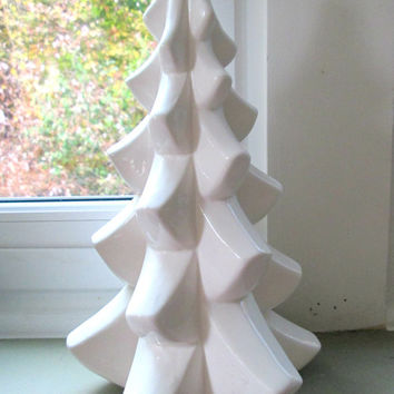White Ceramic Tree 1970s Midwest Taiwan // Vintage Modern Christmas Home Decor